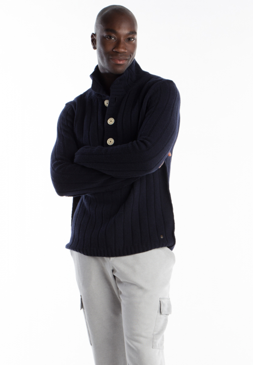 ROLLNECK BUTTON